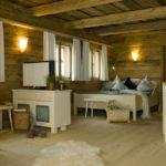 huettenhof-almdorf-niederbayern-bergdorf-luxushuetten-chalets-wohnbereich-1100