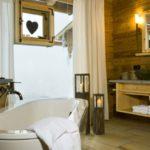 huettenhof-almdorf-wellness-chalet-badewanne-romantikurlaub-1100