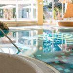 lindenwirt-bayerischer-wald-wellnesshotel-hallenbad-schwimmbad-1300