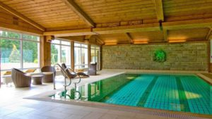 oedhof-sporthotel-swimming-pool-bayerischer-wald-hallenbad-1100