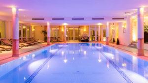 oswald-wellnesshotel-kushcelurlaub-schwimmbad-bayerischer-wald-hallenbad-1100