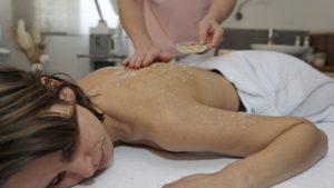 reibener-hof-wellnesshotel-konzell-straubing-wellnesstage-kosmetikangebote-peeling-1100