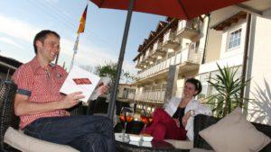 reibenerhof-wellnesshotel-niederbayern-biergarten-terrasse-straubing-1100