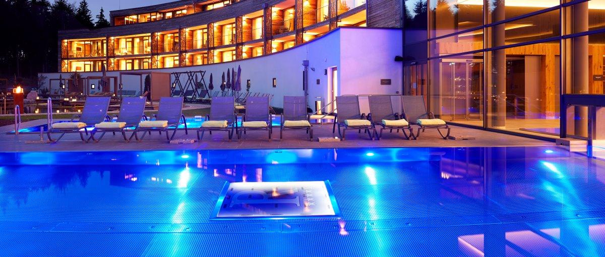 reischlhof-passau-tageswellness-wellnesshotel--niederbayern-pool-schwimmbad