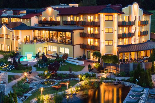 wellnesshotels in bayern wellnesshotel im bayerischen wald. Black Bedroom Furniture Sets. Home Design Ideas
