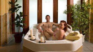 waldeck-wellnesshotel-bayern-familienurlaub-swimming-pool-1100