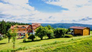 waldeck-wellnesshotel-hundeurlaub-bayerischer-wald-aussenansicht-1100
