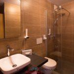 waldeck-zimmer-wellness-spahotel-bayern-badezimmer-dusche-wc-1100
